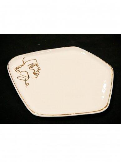 ArtTyzenHauz balta lėkštė karštam patiekalui su veidu