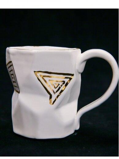 ArtTyzenHauz baltas  puodelis kavai